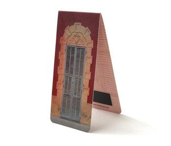 Magnetic Bookmark, Bue doors