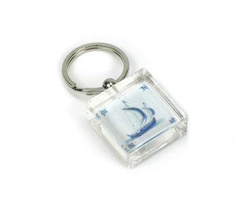 Porte-clés dans une boîte cadeau, tuile bleue de Delft, bateau à voile