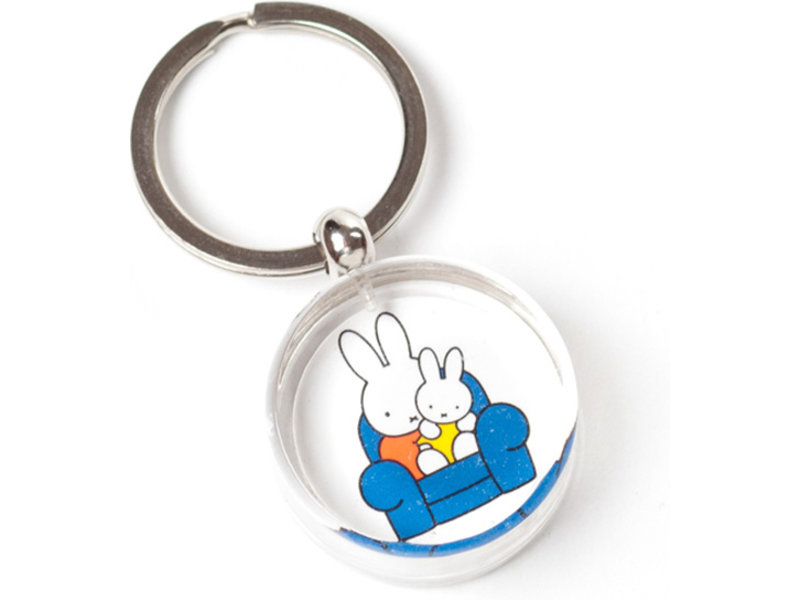 KeyRingz in giftbox W, Miffy on a chair on father's lap