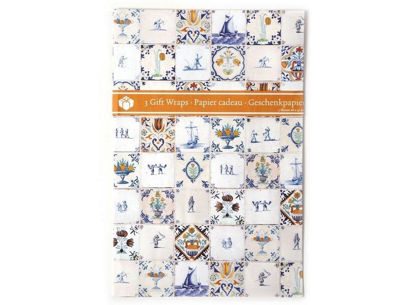 Giftwrap W, Delftblue Tiles 17th  C (polychrome)