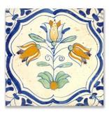 Postal, azulejo azul de Delft Tres tulipanes