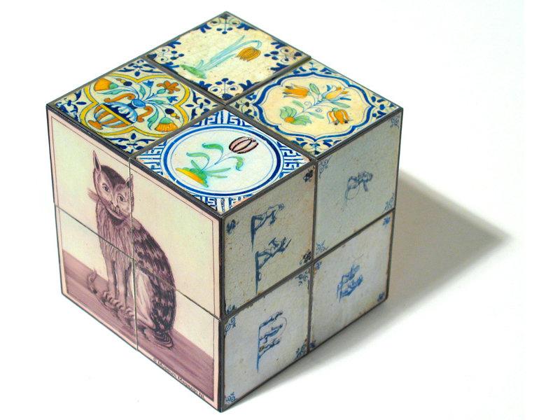 Cubo magico, Azulejos azules de Delft con gato