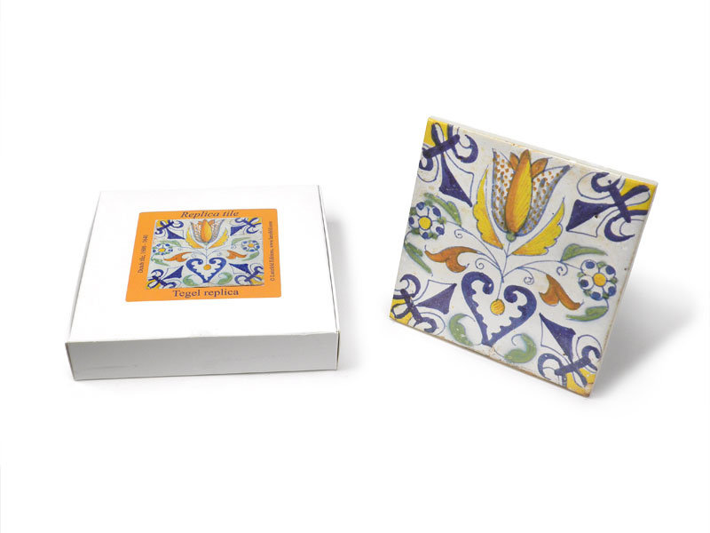 Replica azulejo, Delft azul, tulipán con corazón 13x13 cm