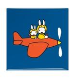 Kühlschrankmagnet, Miffy in einem Flugzeug