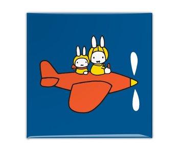 Aimant de réfrigérateur, Miffy dans un avion