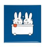 Aimant de réfrigérateur, Miffy prend un bain