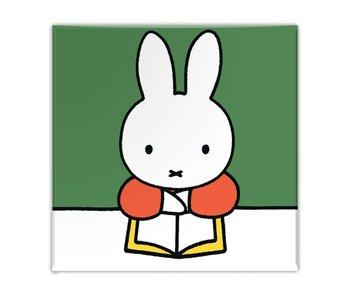 Imán de nevera,  Miffy lee un libro