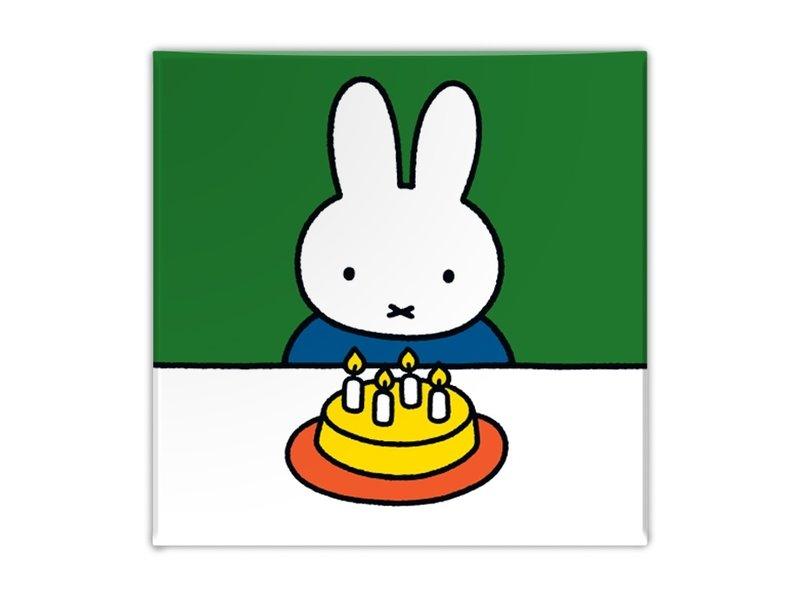 Fridge magnet, Miffy with cake