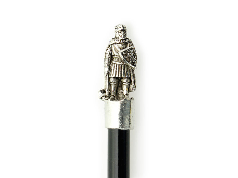 Topper Potlood, Ridder Robert staand