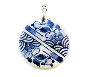 Jewellery W, Delft blue, medaillon stripes