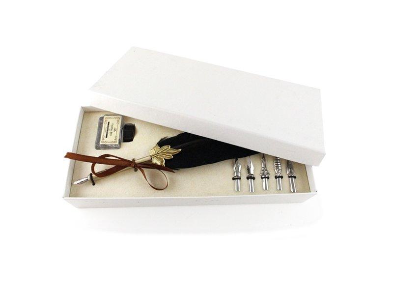 Coffret de Calligraphie, Plume & Encrier, plume noire, boîte blanche