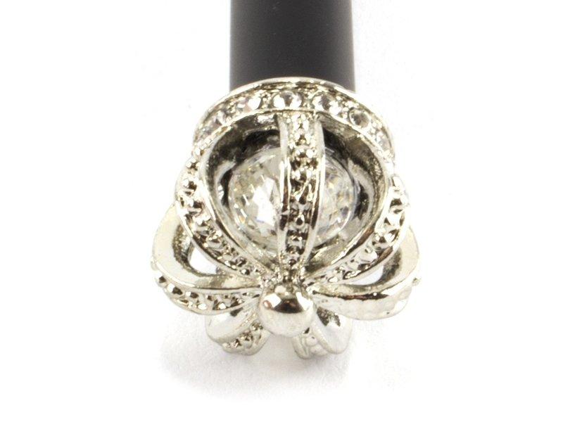 Stylo noir avec couronne argentée
