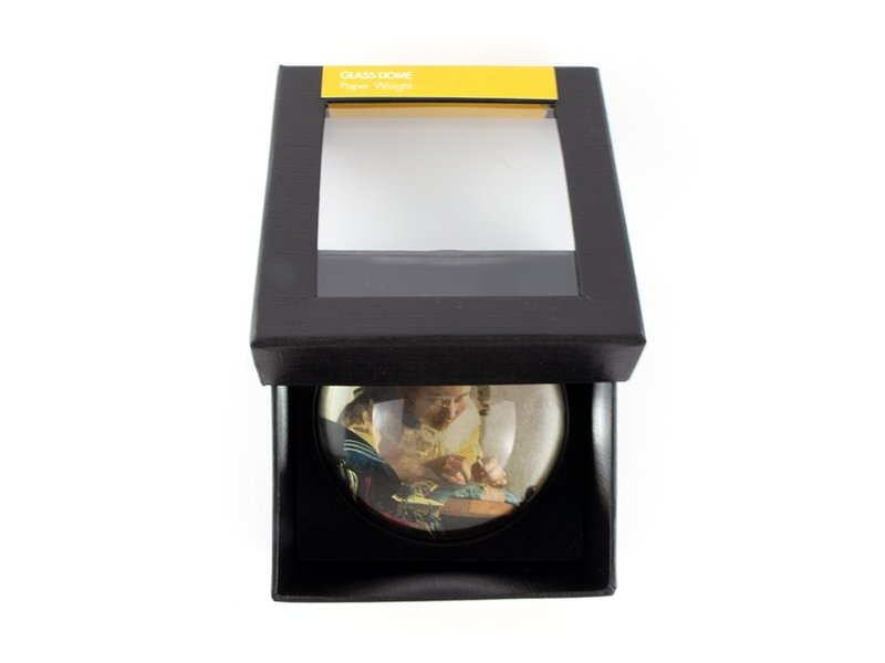 GlasGlazen bolle  presse papier, Vermeer, De kantwerkster