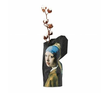 Vase en papier, Vermeer, Boucle d'oreille fille à la perle