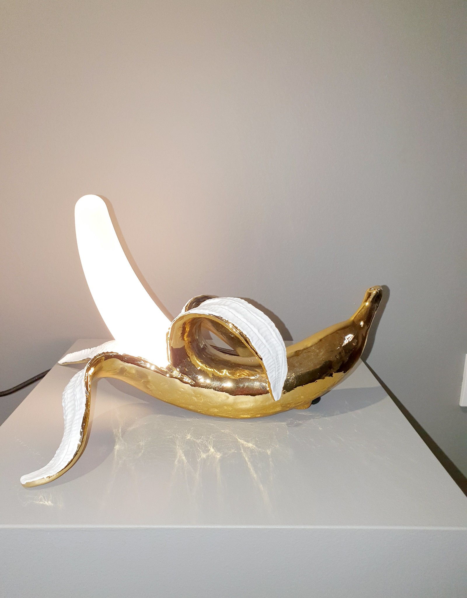 "Seletti ""BANANA LAMP-DEWEY"" RESIN AND GLASS LAMP Cm.33x23,5 h.19"