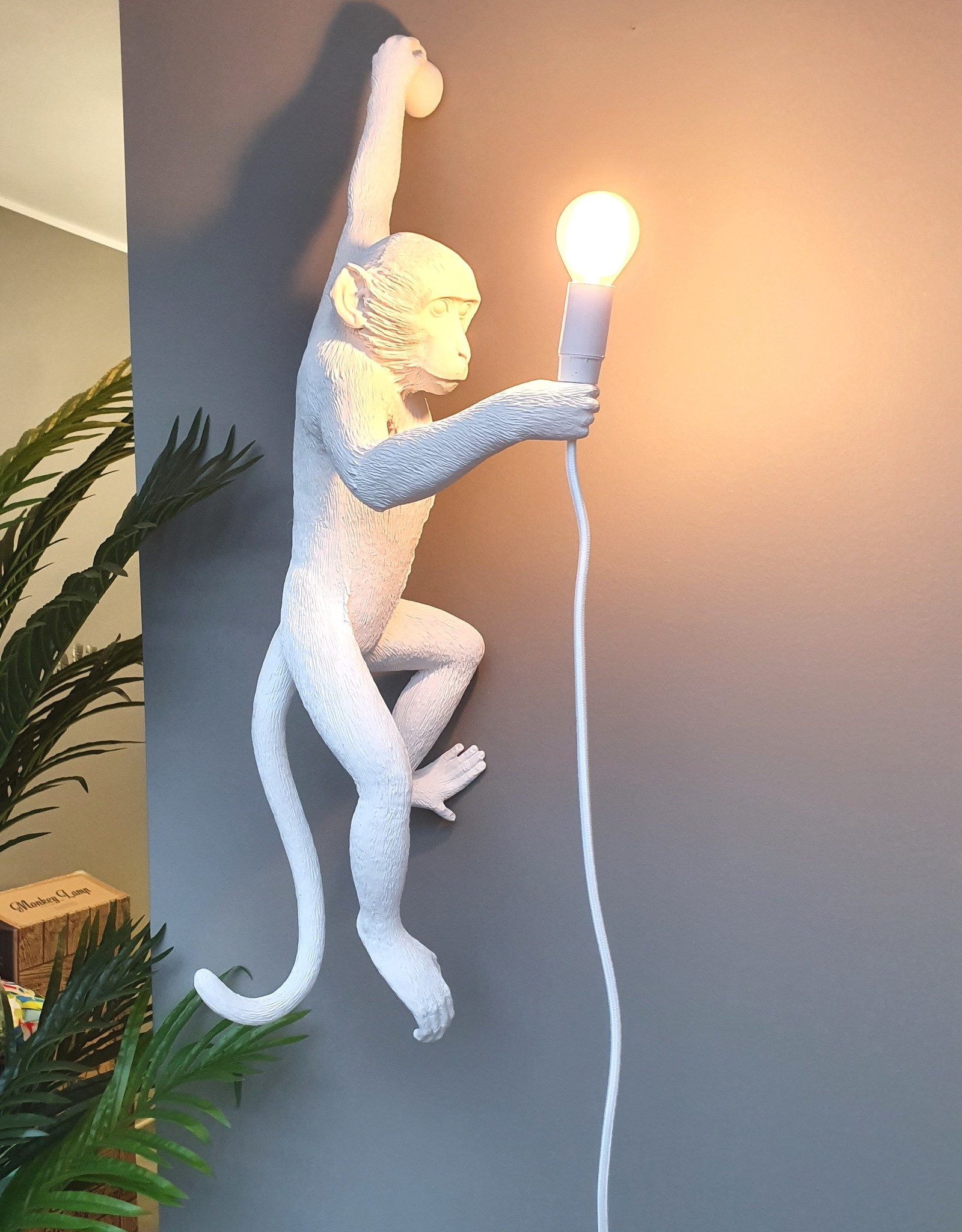 "Seletti ""MONKEY LAMP"" white - HANGING LEFT HAND"