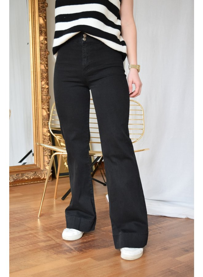 PEGGY BLACK FLARED JEANS