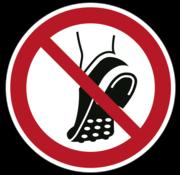 ARBOwinkel.nl Geen schoenen met metalen noppen dragen