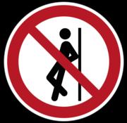 Tegenaan leunen verboden