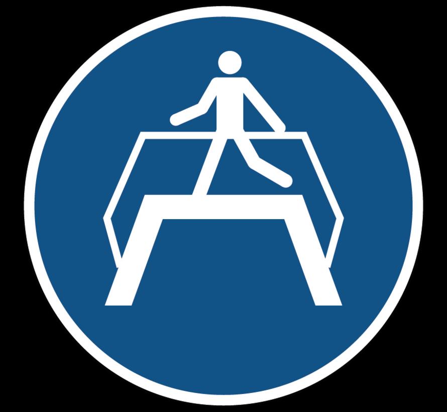 Oversteekplaats gebruiken gebodspictogram