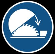 Gebruik de verstelbare kap van de tafelzaag