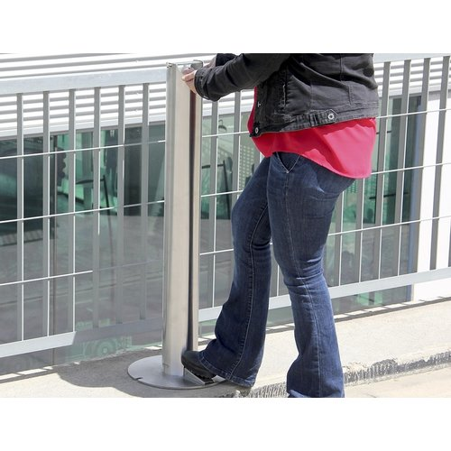 Olest-Novatilu Dispenser zuil met voetbediening