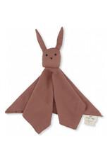 konges slojd Knuffeldoekje sleepy rabbit Cedar Wood