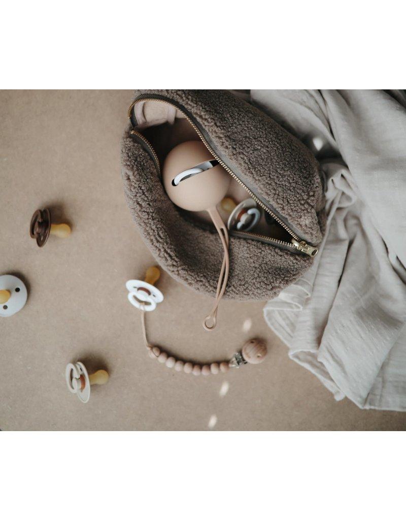 Mushie Mushie Pacifier case Shifting sand