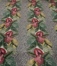 Tricot bladbloem op stipjes