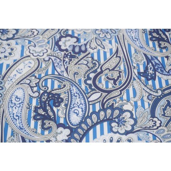 Stretch katoen paisley met blauwe streep