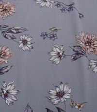 Lila satijn met bloemenprint