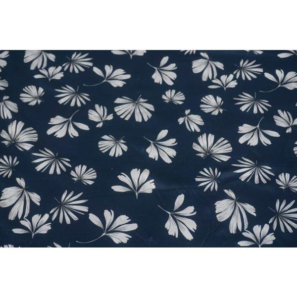 Jeansblauw met witte bloem