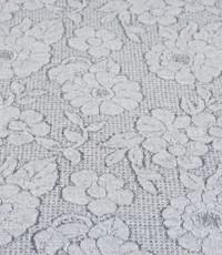 Gebreid met grijze bloem
