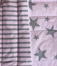 Gewatteerd roze met grijs ster en streep