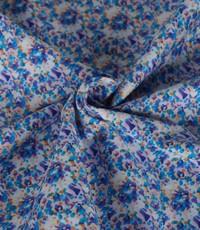 Katoen met lila en blauwe bloemetjes