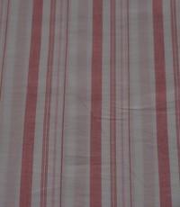 Gestreepte stof in roze met lurex