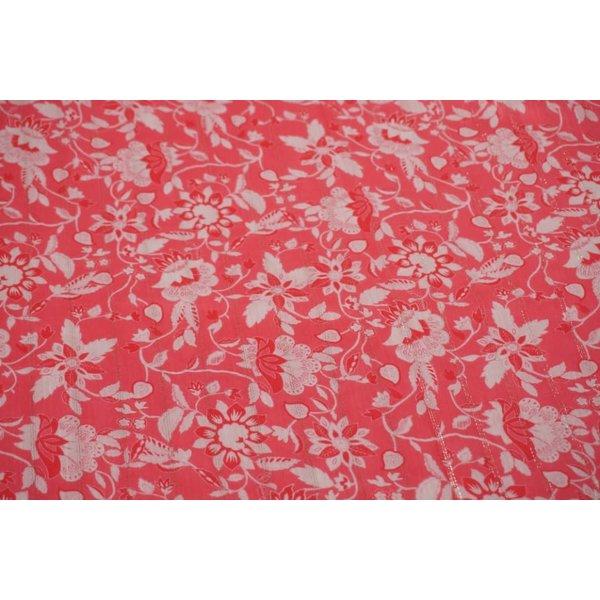 Knalroze viscose stof met bloemenprint en lurex