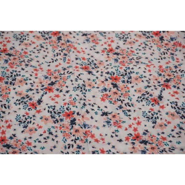Viscose stof in ecru met print van kleine bloemetjes