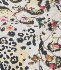 Polyester stof met een dierenprint