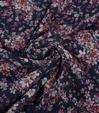 Chiffon in blauw met roze bloemetjes