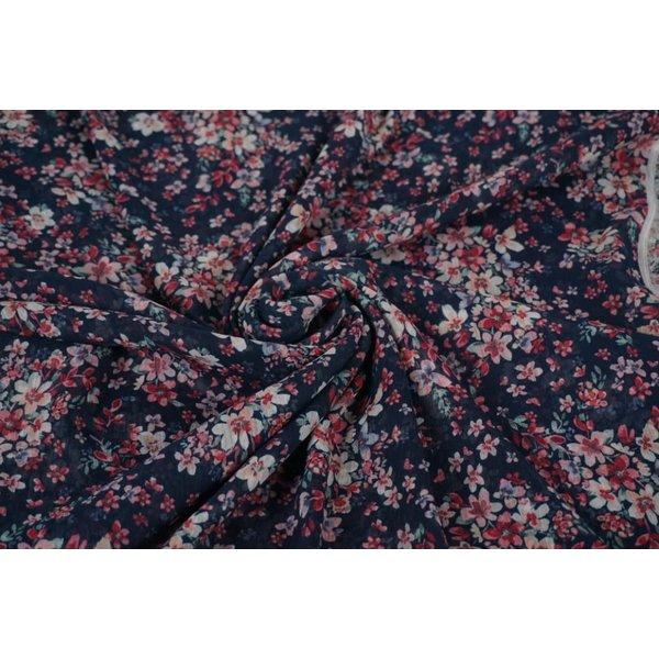 Chiffon stof  in blauw met roze bloemetjes