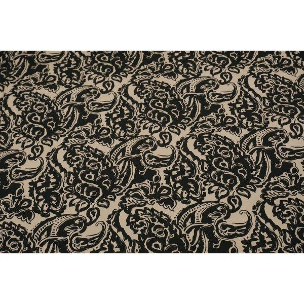 Stretch katoen stof met zwarte bloemen