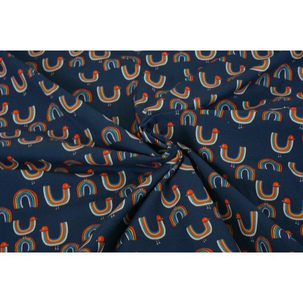 Stretchkatoen jeansblauw met regenboogvogeltjes
