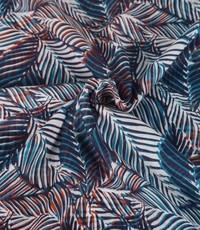 Katoenen voile met blauwe blaadjes