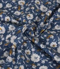 Popeline in jeansblauw met witte bloemetjes