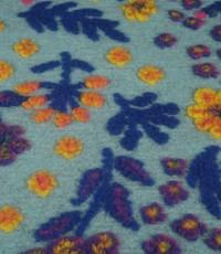 Gekookte wol lichtblauw met bloemen