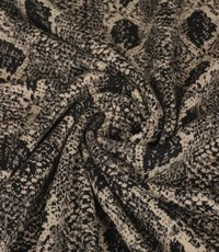 Gebreid zwart met beige slangenpatroon