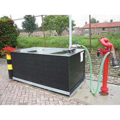 Foam extinguish- and sprinklertanks