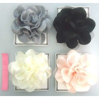 Classical flower corsage : PB