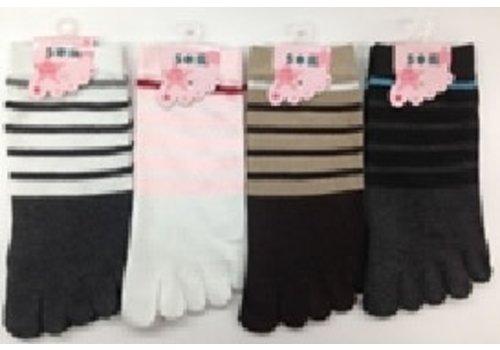 Lady's 5 toe sneaker socks